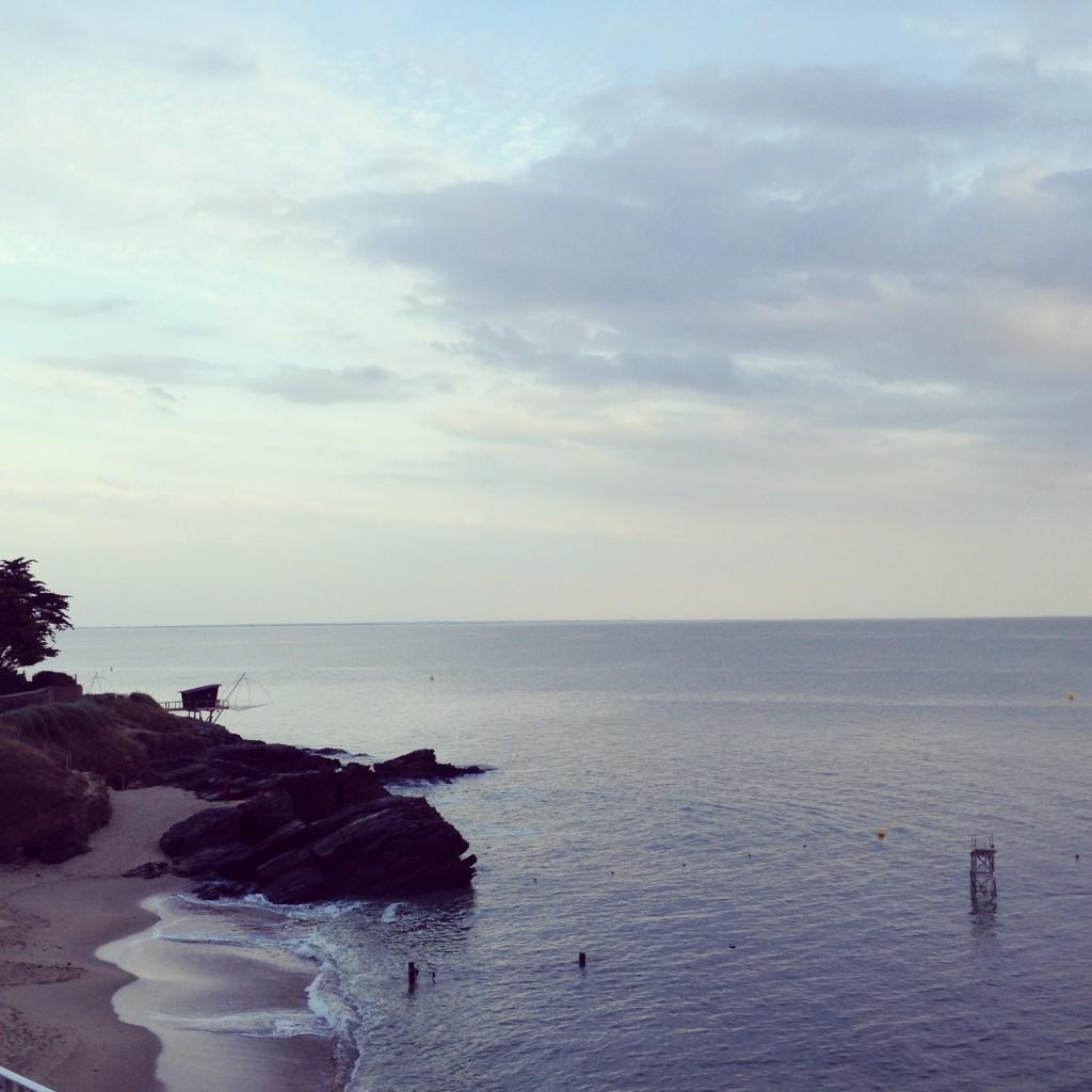 La plage de la Birochère depuis le restaurant le Beau Rivage